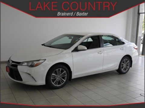 Pre-Owned 2016 Toyota Camry SE Backup Camera