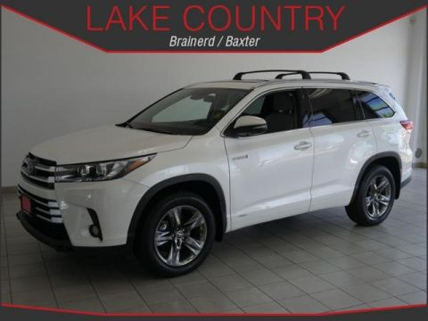 Pre-Owned 2017 Toyota Highlander LIMITED PLATINUM HYBRID HEATED AND COOLED LEATHER