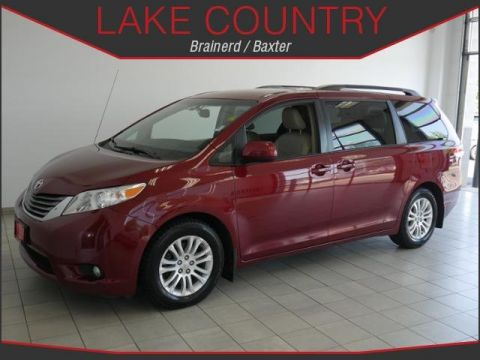 Pre-Owned 2011 Toyota Sienna XLE 8 PASSENGER HEATED LEATHER MOONROOF BACKUP CAM