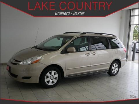 Pre-Owned 2009 Toyota Sienna XLE 7-Passenger
